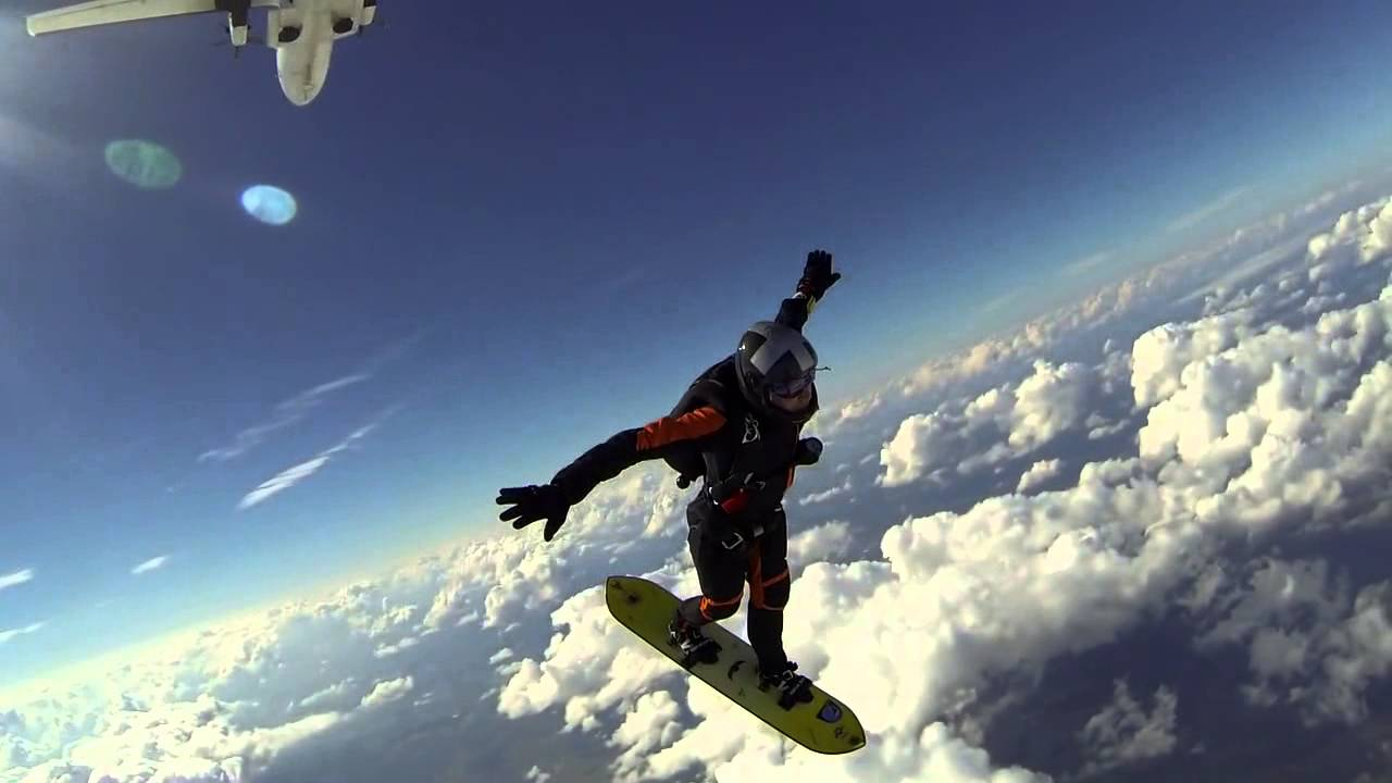 Skysurfing at DZ Skycenter